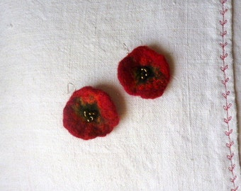 felt earrings poppy