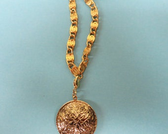 2 Locket Necklaces -  Two Gold Locket Necklaces of Different Lengths - Gold Vintage Chain - Gold Vintage Lockets