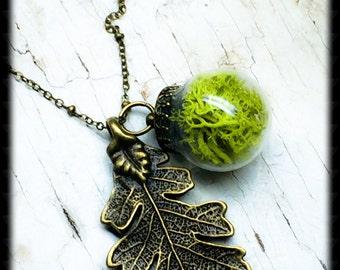 Moss Terrarium Necklace-Terrarium Necklace With Moss-Brass Leaf Necklace-Wilderness Necklace-Glass Globe Leaf Necklace-Terrarium Jewelry