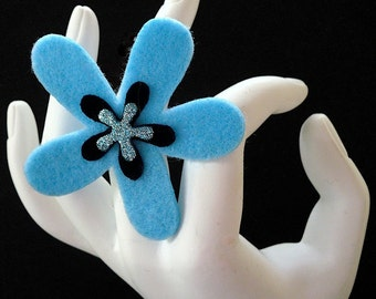 Ellen (Funky Felt Flowers Cocktail Ring)