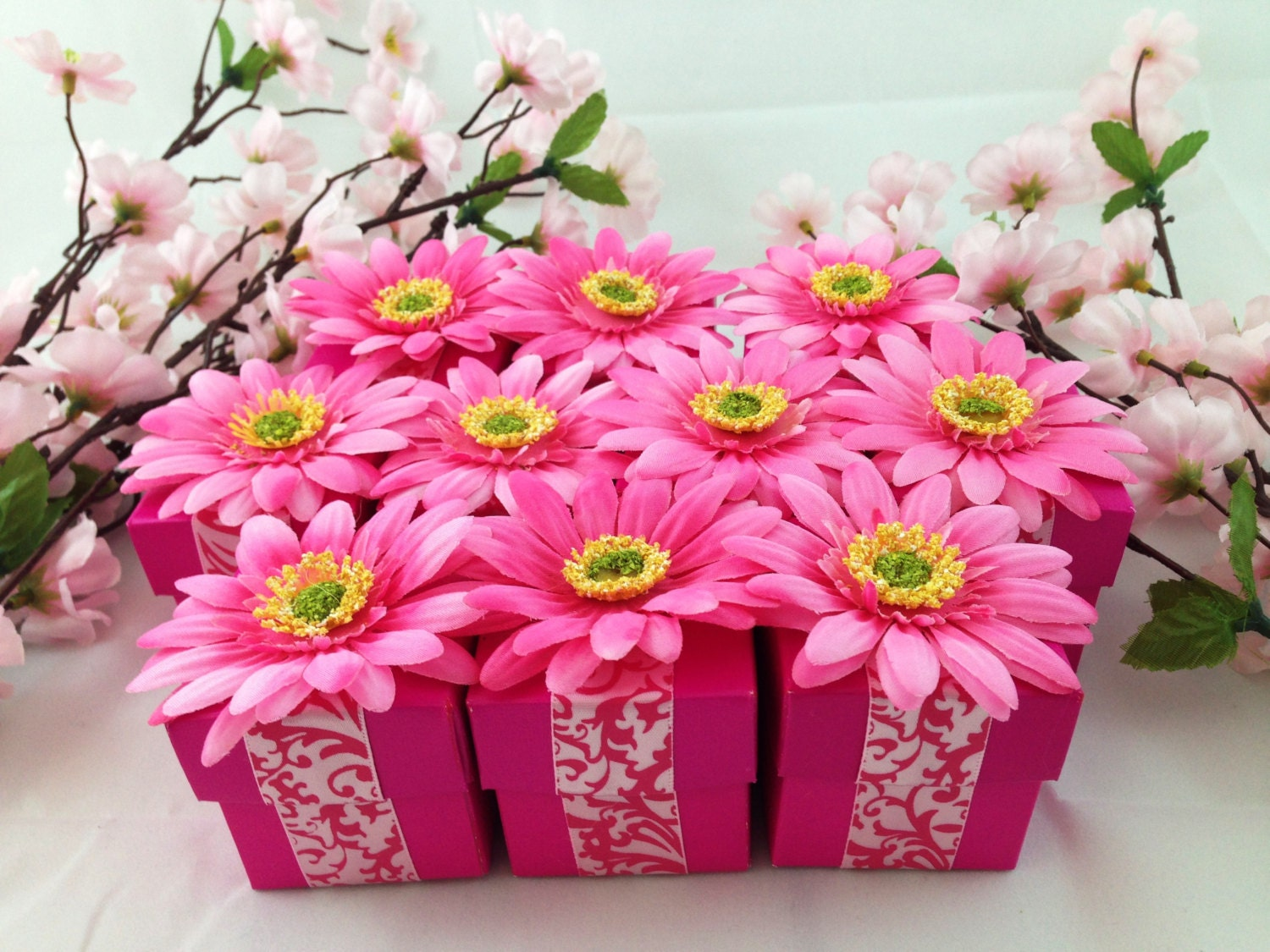 20 Fuchsia Favor Box with Pink Gerbera Daisy Candy Holder