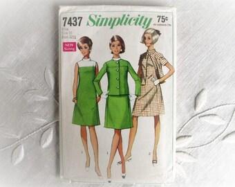 Vintage Dress and Jacket Pattern 1960's 1967 Complete Uncut Simplicity 7437 Misses Size 10 Bust 32 1/2