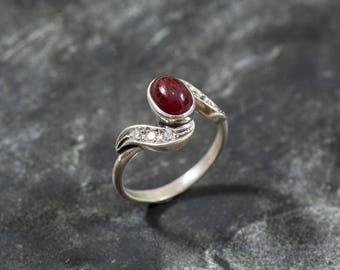 Ruby Ring, Natural Ruby, Vintage Ruby Ring, July Birthstone, Vintage Rings, Red Ring, Red Ruby Ring, July Ring, Solid Silver Ring, Ruby