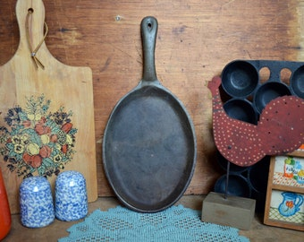 Vintage Oval Cast Iron Black Skillet Pan Griddle Metal Frying Pan Camp Camping Cookware