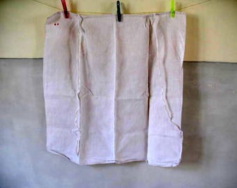 Antique French linen apron mongramed 'AO' - 35 euro