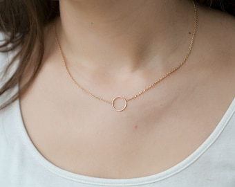 Circle necklace in Silver