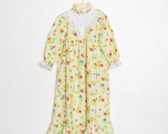 1980s Girl's Nightgown / Floral & Eyelet Lace Pajamas / Vintage 80s Child's Sleepwear / Size 4