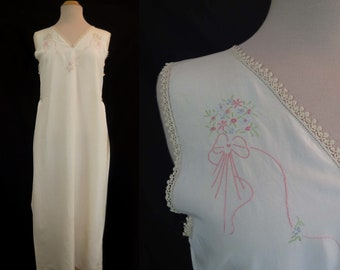 1910s, 1920s Vintage - Vintage Nightgown, Dress, With Embroidery and Side Pleats - Bust 91-96 cm
