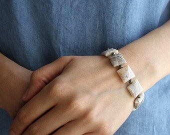 White Agate Bracelet . Crystals for Stress Relief Jewelry NEW