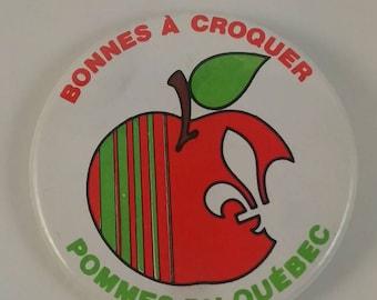 Vintage Quebec apples pinback button