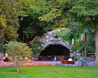 Grotto, Notre Dame, High-Res Photo Download