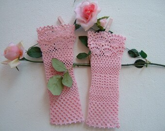 Pink cotton sleeves-romantic lace crochet cuffs-Bridal and bridesmaid Gloves-fingerless gloves-Wedding Cuffs