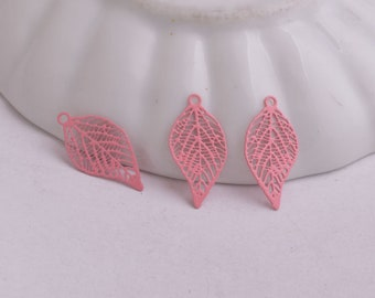 2 leaf prints pink 19 x 10 mm