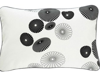 Pillow cover FLOWERSHOWER, white/black, 60 x 40 cm (without filling)