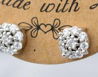 WHITE Gold   Diamond Stud earrings ,  Gold  & Diamonds  Earring, Stud Gold Earrings, Diamond  Gold Earring