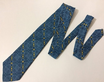 "54"" Prince Consort Vintage Golden Clasp Blue Yellow Polyester Wide Necktie Neck Tie"