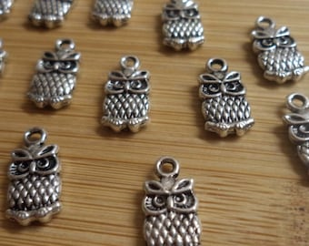 Pewter 2 sided Owl charm silvertone 12 pc lot 1