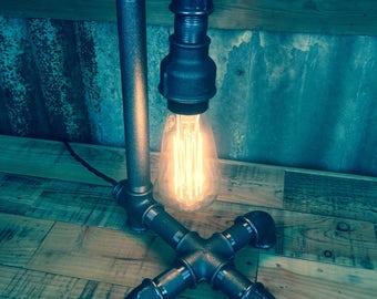 Bamburgh : Steampunk table lamp.