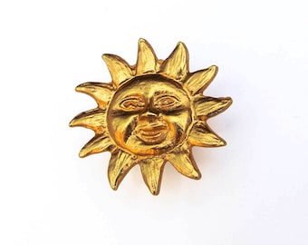 Small Sun Face Button, Gold Tone, Shank Button, Jewelry Making, Collectible Button, Fiber Art Supply, Quilt Embellishment, 27 MM, NBS Medium