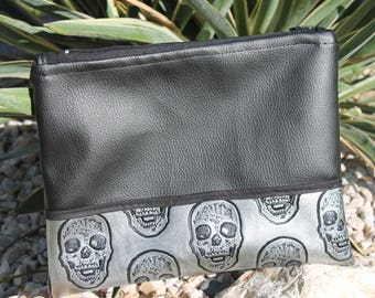 black and silver wallet imitation leather x20.5 25 cm
