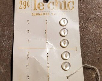 le chic brand buttons on original card
