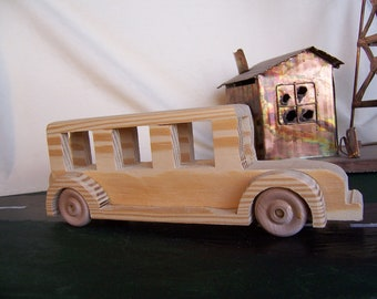Toy Tour Bus, Old Time Design Car for Children or Collections
