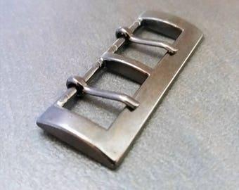 Double prong buckle belt gun metal