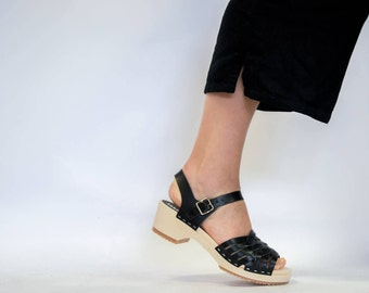 Clogs / Low Heel / Sandal for Women / Handmade Shoes / Leather Sandals / Handmade / Womens Sandals / Wooden Sole Clogs / Sandgrens / Madrid