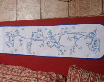 HAND EMBROIDERED WALL GROWTH CHART