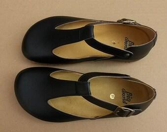 HOLYDAYS Sales 20%, Vegan shoes,free shipping, design  Shoes, vegan design, Close Shoes, Flat Shoes, Black Shoes TAMRINDO