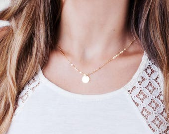 Gold Disc Necklace, Small Disc Necklace, Letter Disc Necklace, Personalized Necklace, Minimalist Necklace, Initial Necklace, Disk Necklacde