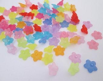 lot de 50 petites coupelles corolle fleur translucide 10 x 4 mm