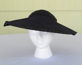 1950's vintage navy blue wide brim straw platter hat with wide grosgrain ribbon decoration