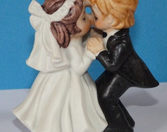 Vintage retro 80s 90s Wedding Cake Topper Ceramic Bride Groom