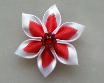 5 cm fleur de satin blanche ei organza rouge   petales pointus