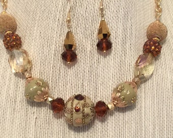 Jeweled Beads Large Topaz Crystals Hamilton Matte Gold Plated Chain  CL1590