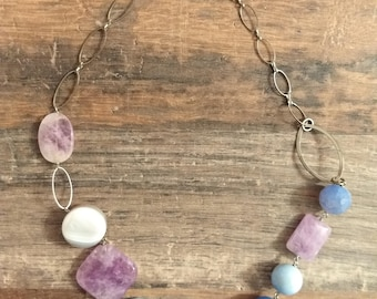 Necklace in hard stones