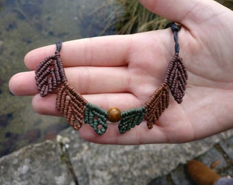 Macrame Leaf Necklace, cotton with wooden bead