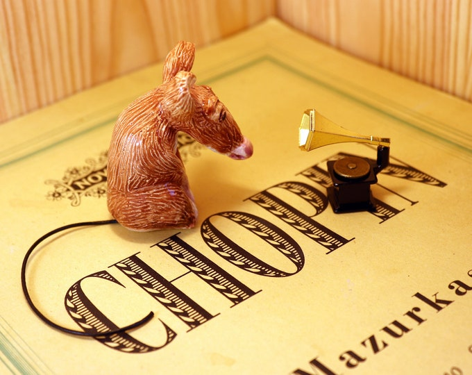 Chopin Musical Mouse handmade at Woofing Fabulous headquarters. He has his own gramophone to play his music on. Great gift for a music lover