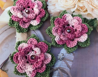 Crochet dusty pink flowers with green leaves shabby chic crochet appliques set of 3,wedding flowers, motifs,embellishment