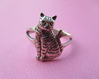 Sterling Silver Tabby Cat Ring