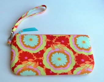 Easy Wristlet with Strap in Amy Butler Buttercup