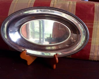 Wm Rogers 819 Silver Plate Serving Dish