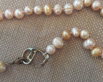 Soft gold and luminous white pearl necklace, 26.5""