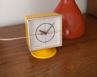 Vintage General Electric Yellow Plastic Electric Time Clock Working with Alarm 60's Mod 70's Retro Atomic Apartment, Home Decor