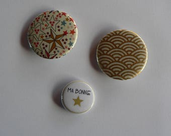 Badges 38 and 25mm set of 3 Badges Liberty Japanese paper