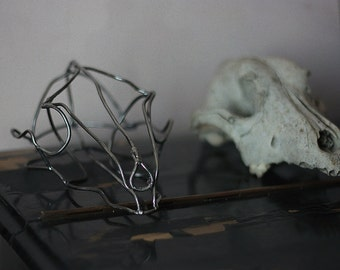 steel wire animal skull table decor