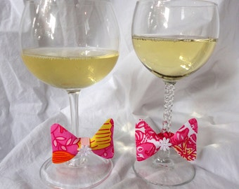 Party Favor Tie One On Wine Charm