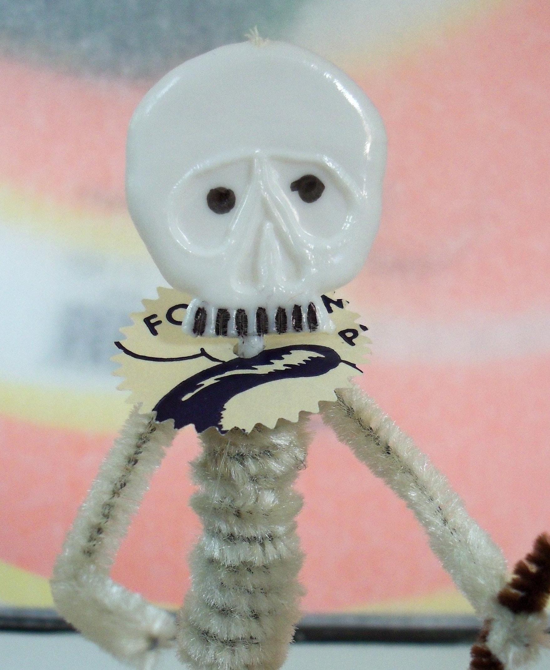 Vintage Style / Halloween Skeleton / Pipe Cleaner Figure /