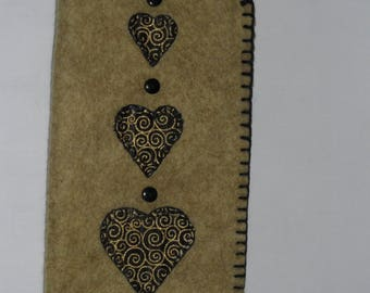 Spectacles case - fawn / black hearts